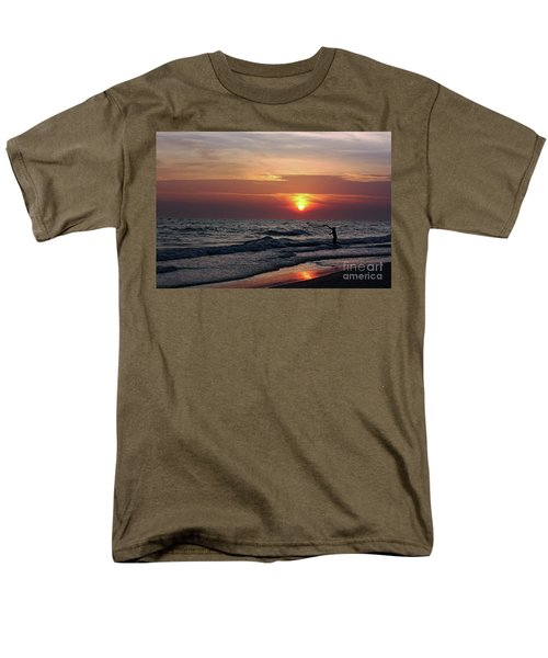 Net Casting Men's T-Shirt  (Regular Fit) by Terri Mills