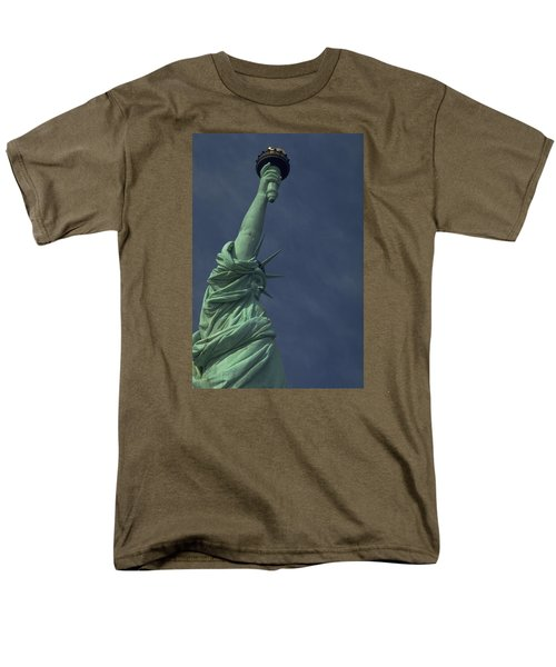 New York Men's T-Shirt  (Regular Fit) by Travel Pics