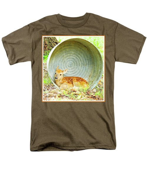 Newborn Fawn Finds Shelter In An Old Washtub Men's T-Shirt  (Regular Fit) by A Gurmankin