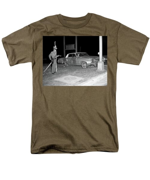 Nj Police Officer Men's T-Shirt  (Regular Fit) by Paul Seymour
