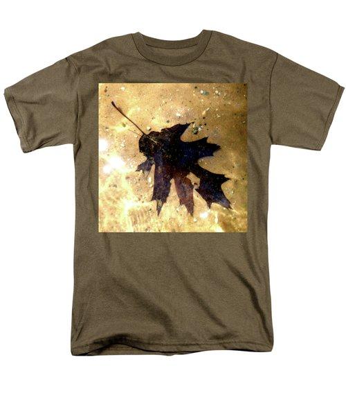 Oak Leaf Underwater Men's T-Shirt  (Regular Fit) by Tara Hutton
