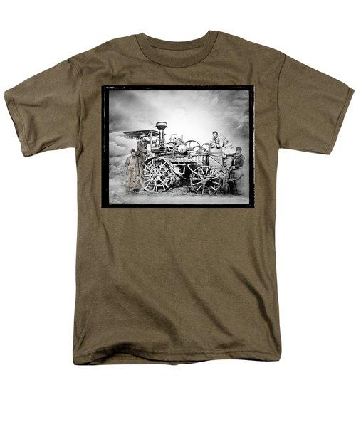 Old Steam Tractor Men's T-Shirt  (Regular Fit)