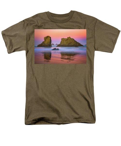 Oregon's New Day Men's T-Shirt  (Regular Fit) by Darren White