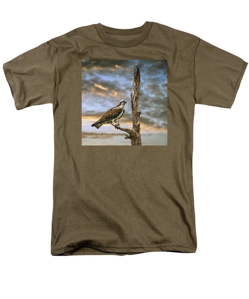 Men's T-Shirt  (Regular Fit) featuring the photograph Osprey With Supper by Brian Tarr