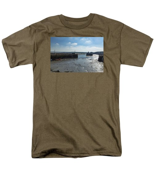 Padstow Harbour Men's T-Shirt  (Regular Fit) by Brian Roscorla