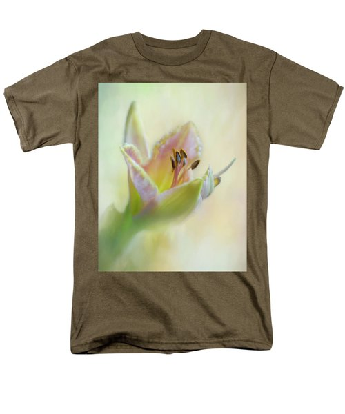 Painted Daylily Men's T-Shirt  (Regular Fit) by David and Carol Kelly