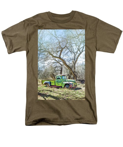 Pickup Under A Tree Men's T-Shirt  (Regular Fit) by Robert FERD Frank