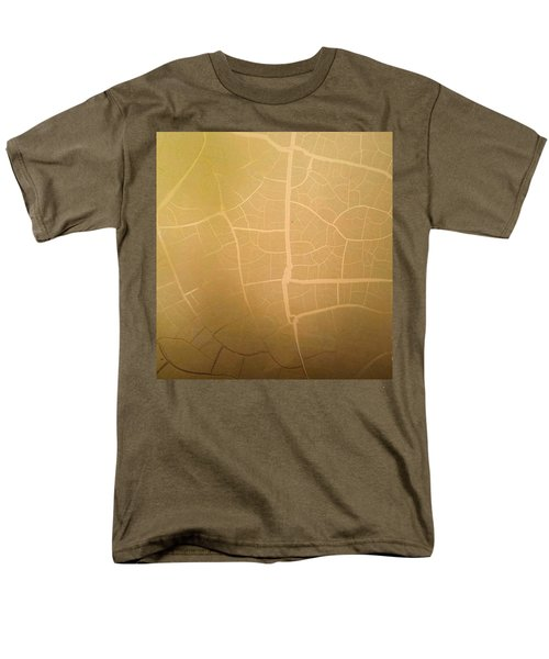 Pillow Pattern Amber Leaf/crackle Men's T-Shirt  (Regular Fit) by Steed Edwards