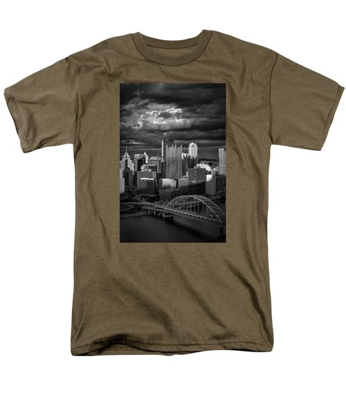 Pittsburgh Pennsylvania Skyline Men's T-Shirt  (Regular Fit) by David Haskett