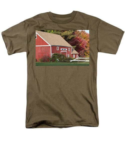 Red Barn Men's T-Shirt  (Regular Fit) by Jim Gillen