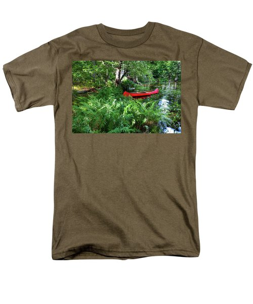 Red Canoe In The Adk Men's T-Shirt  (Regular Fit) by David Patterson