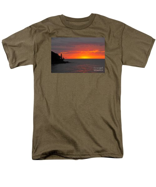 Men's T-Shirt  (Regular Fit) featuring the photograph Red Sky In Morning by Sandra Updyke