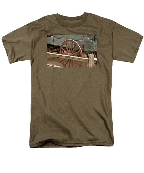 Men's T-Shirt  (Regular Fit) featuring the photograph Red Wagon Wheel by Kirt Tisdale