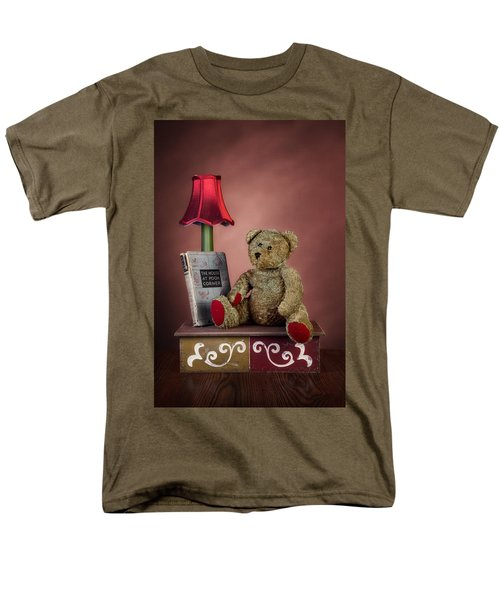 Men's T-Shirt  (Regular Fit) featuring the photograph Required Reading by Tom Mc Nemar