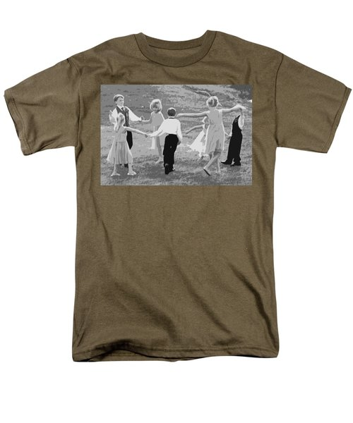 Men's T-Shirt  (Regular Fit) featuring the photograph Ring Around The Rosy by Colleen Coccia