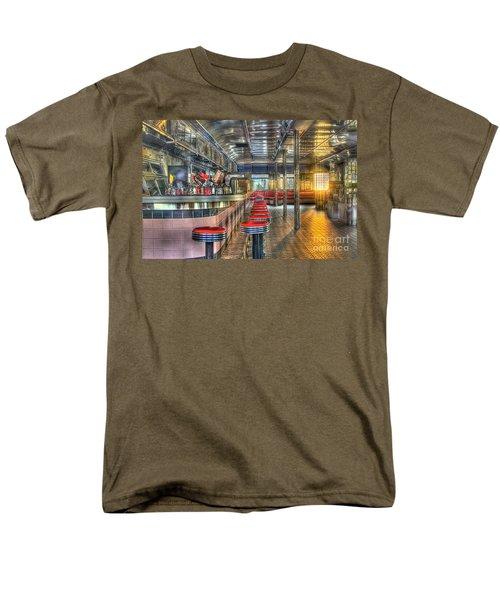 Rosies Diner Men's T-Shirt  (Regular Fit) by Robert Pearson