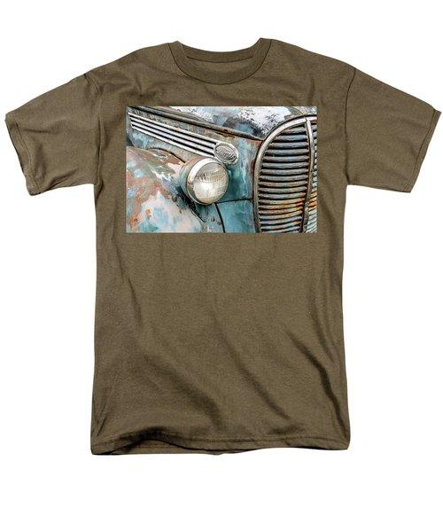 Rusty Ford 85 Truck Men's T-Shirt  (Regular Fit) by David Lawson