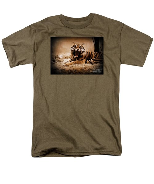 Men's T-Shirt  (Regular Fit) featuring the photograph Saying Hello by Lisa L Silva