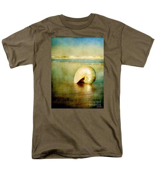 Shell In Sand Men's T-Shirt  (Regular Fit)