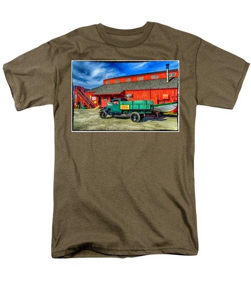 Shipyard Work Truck Men's T-Shirt  (Regular Fit)