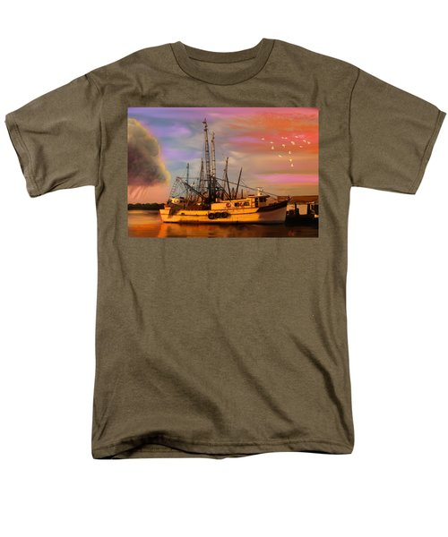 Shrimpers At Dock Men's T-Shirt  (Regular Fit) by J Griff Griffin