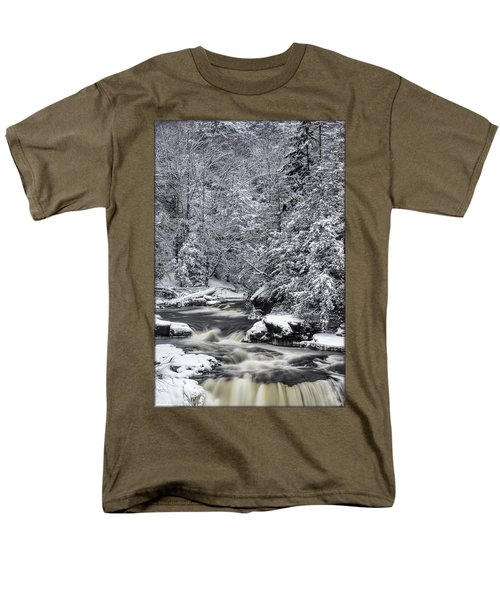 Snowy Blackwater Men's T-Shirt  (Regular Fit)