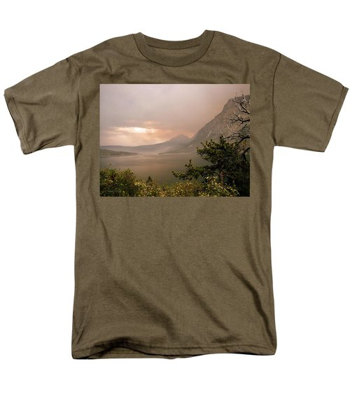 St Mary Lake In The Smoke Men's T-Shirt  (Regular Fit)