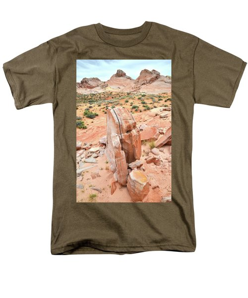 Men's T-Shirt  (Regular Fit) featuring the photograph Standup Sandstone In Valley Of Fire by Ray Mathis