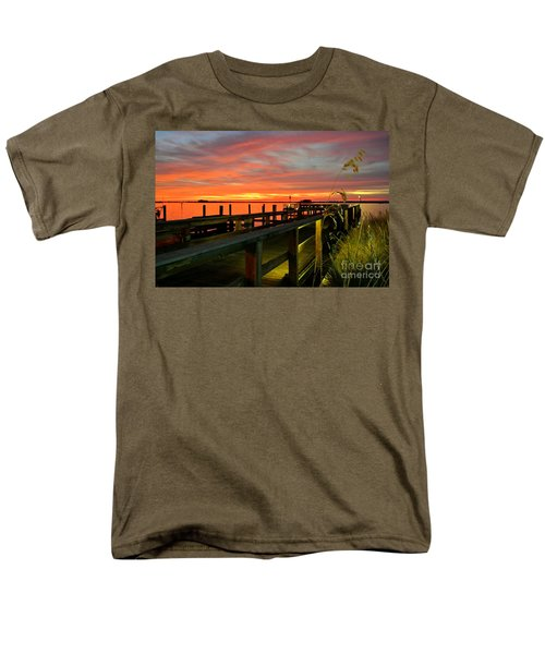 Men's T-Shirt  (Regular Fit) featuring the photograph Sundown by Elfriede Fulda
