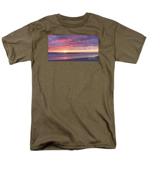 Sunrise Pinks Men's T-Shirt  (Regular Fit) by LeeAnn Kendall