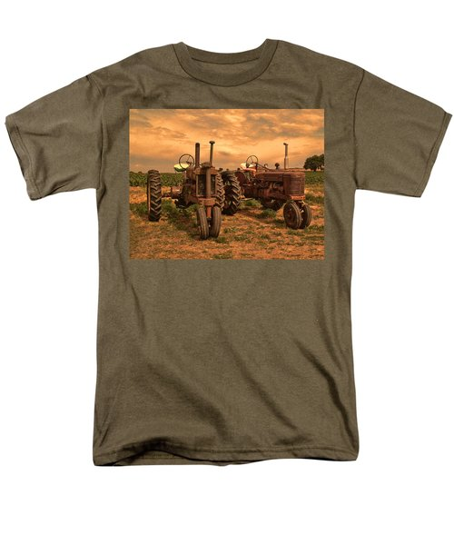 Sunset On The Tractors Men's T-Shirt  (Regular Fit) by Ken Smith