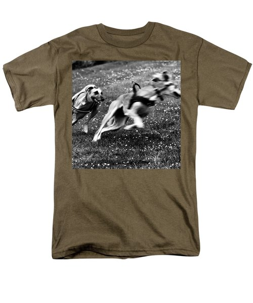 The Chasing Game. Ava Loves Being Men's T-Shirt  (Regular Fit) by John Edwards