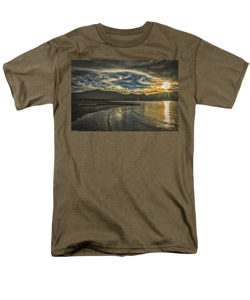 The Dog Days Of Summer Men's T-Shirt  (Regular Fit)