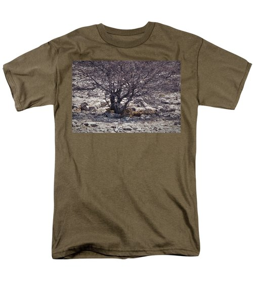 Men's T-Shirt  (Regular Fit) featuring the photograph The Lion Family by Ernie Echols