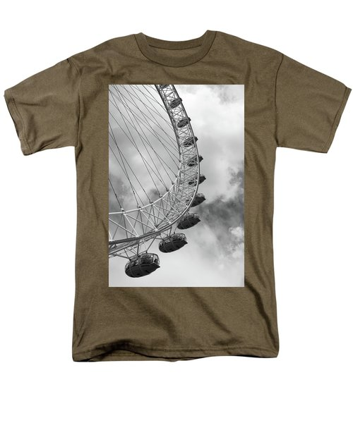 Men's T-Shirt  (Regular Fit) featuring the photograph The London Eye, London, England by Richard Goodrich
