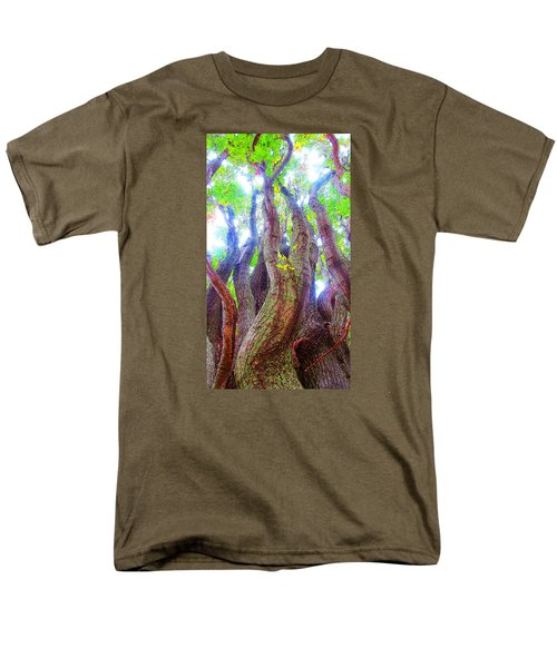 Men's T-Shirt  (Regular Fit) featuring the photograph The Tree Of Salem by Patricia Arroyo