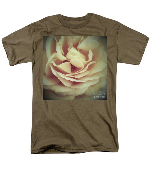 Ti Voglio Bene Mamma Men's T-Shirt  (Regular Fit) by Robert ONeil