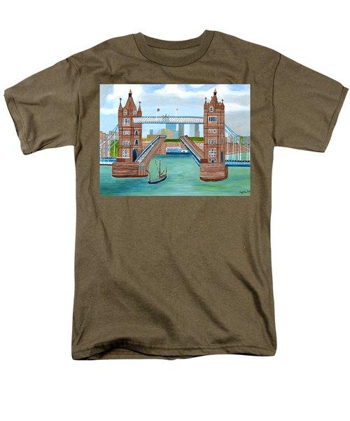 Tower Bridge London Men's T-Shirt  (Regular Fit)