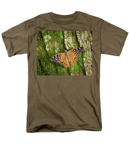 Men's T-Shirt  (Regular Fit) featuring the photograph Tree Hugger by Bill Pevlor