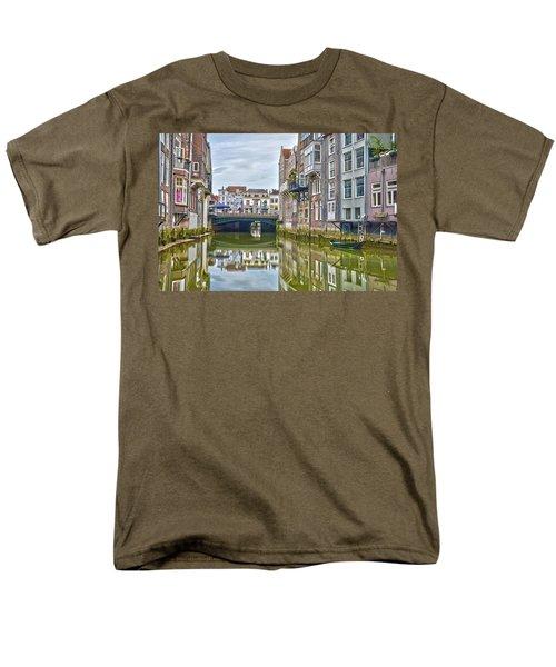 Men's T-Shirt  (Regular Fit) featuring the photograph Venetian Vibe In Dordrecht by Frans Blok