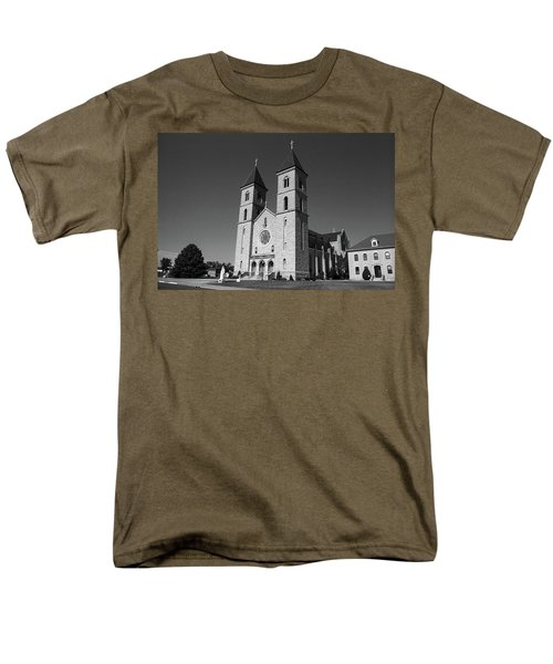 Men's T-Shirt  (Regular Fit) featuring the photograph Victoria, Kansas - Cathedral Of The Plains 6 Bw by Frank Romeo
