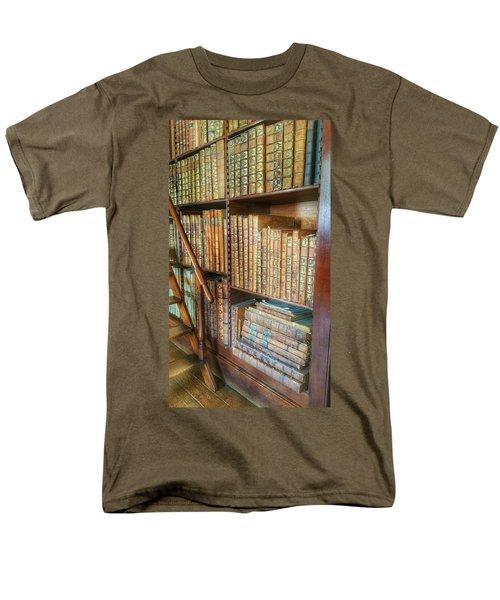 Victorian Library Men's T-Shirt  (Regular Fit)