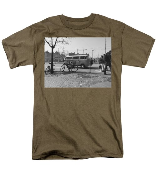 Vw Oldie Men's T-Shirt  (Regular Fit) by Andy Langemann