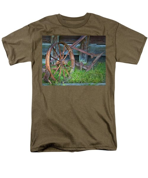 Men's T-Shirt  (Regular Fit) featuring the photograph Wagon Wheel And Fence by David and Carol Kelly