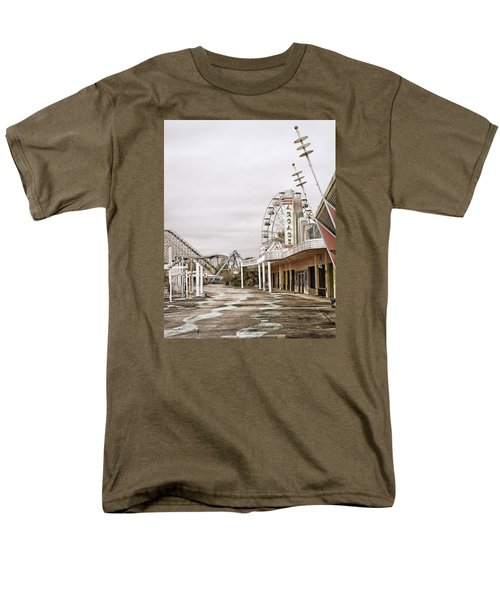 Men's T-Shirt  (Regular Fit) featuring the photograph Walkway To The Arcade by Andy Crawford