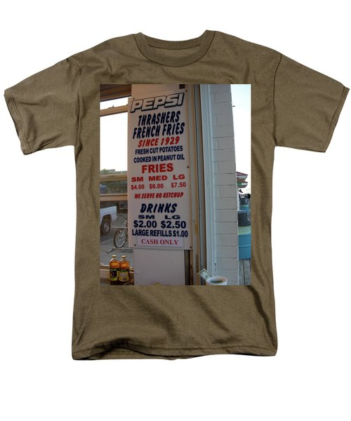 We Serve No Ketchup Men's T-Shirt  (Regular Fit)