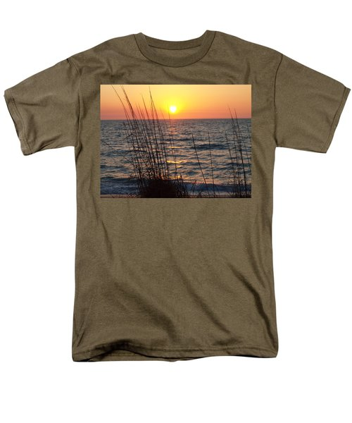 Men's T-Shirt  (Regular Fit) featuring the photograph What A Wonderful View by Robert Margetts