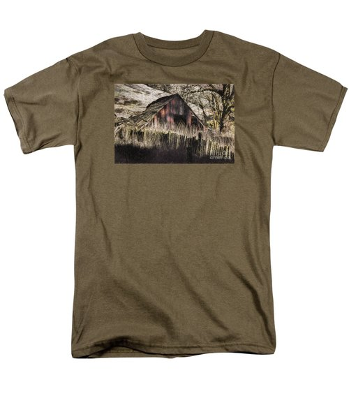Men's T-Shirt  (Regular Fit) featuring the photograph Willets Barn by Shirley Mangini