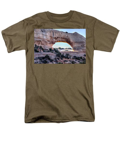 Men's T-Shirt  (Regular Fit) featuring the photograph Wilson Arch In The Morning by Alan Toepfer