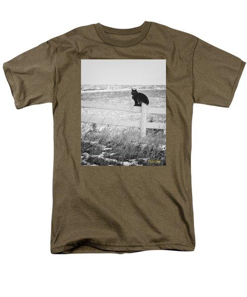 Men's T-Shirt  (Regular Fit) featuring the photograph Winter's Stalker by Rikk Flohr